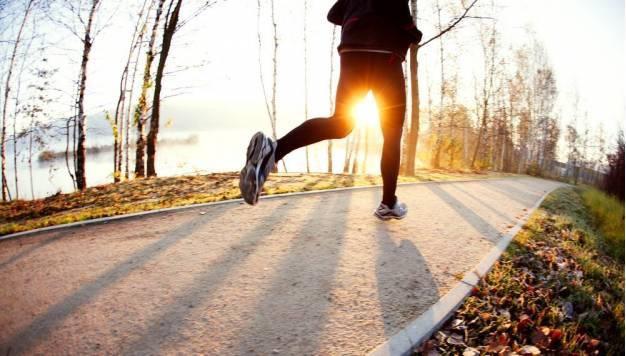 7 manieren om een ochtend hardloper te worden
