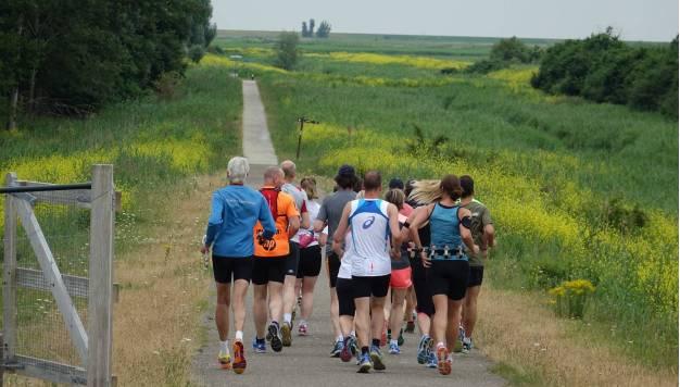 Hoeveel sneller loop je in een groepje?