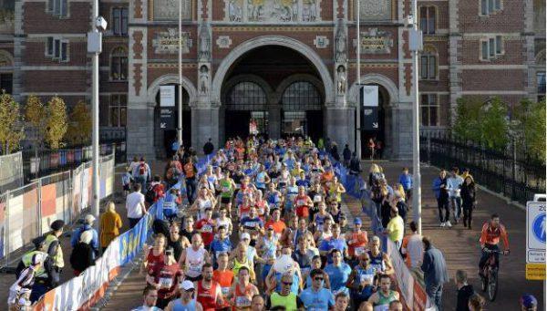 De marathon van Amsterdam via de olifant-curve