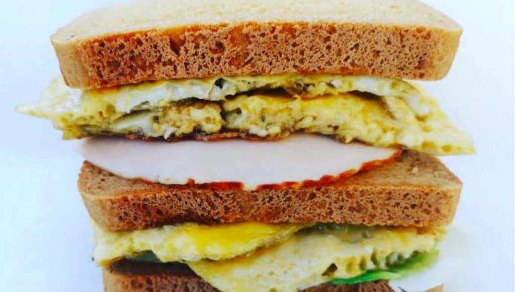 Eten met Karen: gezonde sandwich met kipfilet