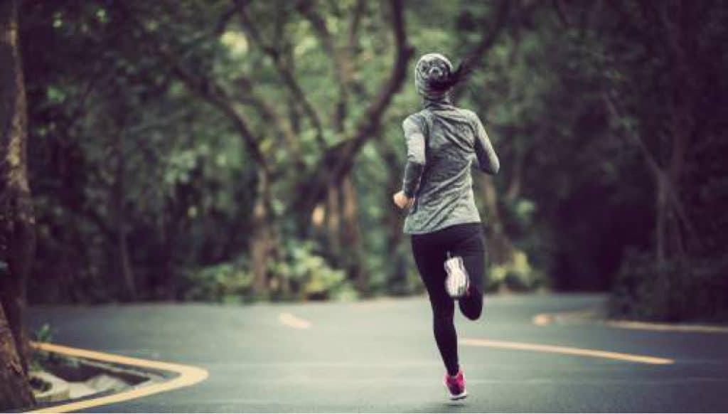 Loop je harder met een langere pas of hogere cadans?