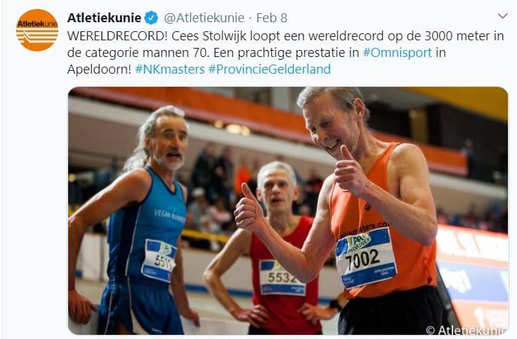 """WERELDRECORD- Cees Stolwijk loopt een wereldrecord op de 3000 m indoor in de categorie Mannen 70 met een tijd van 10:41.80! Hij liep daarmee liefst 11 seconden sneller dan het oude wereldrecord van de fameuze Canadees """"Amazing"""" Ed Whitlock uit 2005."""