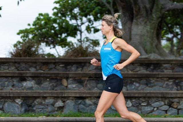 5 krachtoefeningen om thuis te doen van triatlete Els Visser