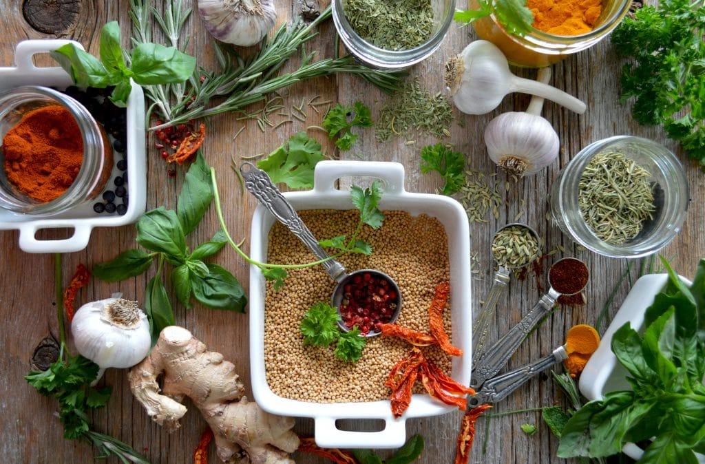 Welke kruiden moet een hardloper in zijn keukenkastje hebben staan?