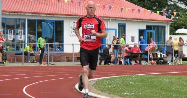 Wim Oudejans verbetert het Nederlands Record 1500 meter