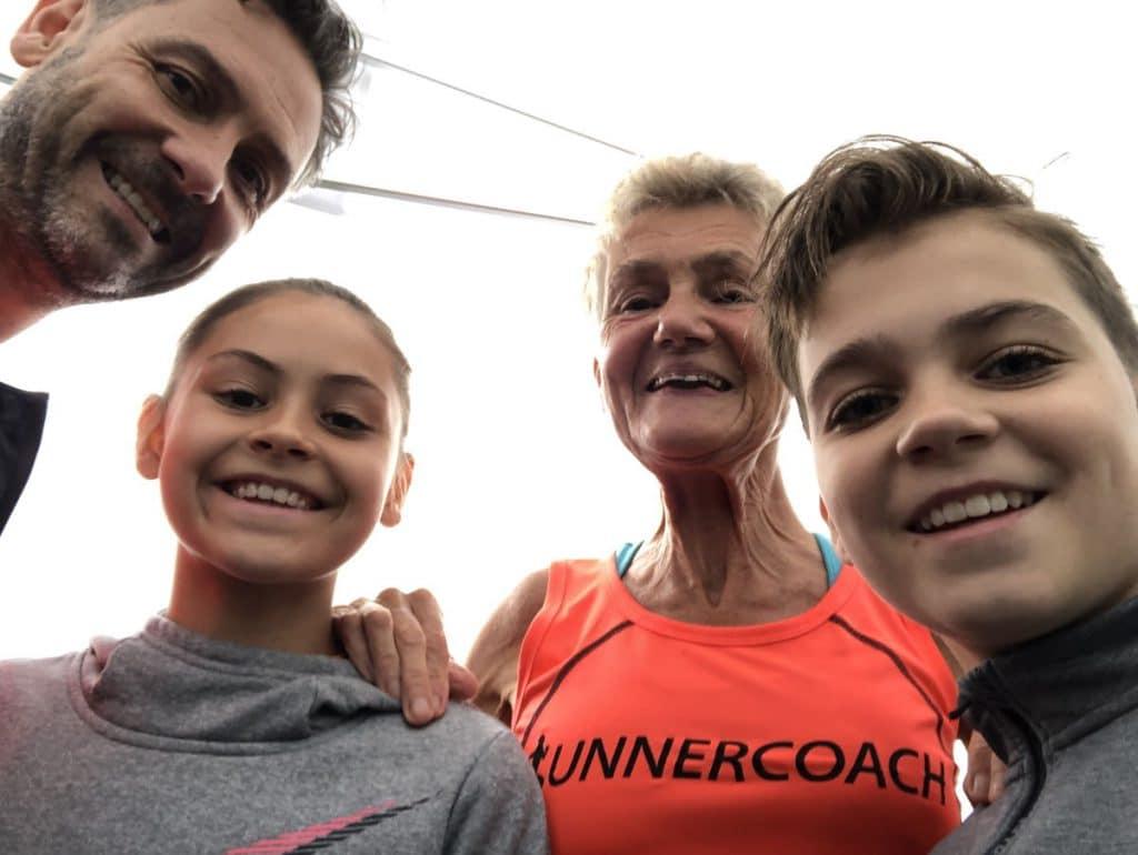 De drie generaties in het team voor de halve marathon estafette in Lisse in 2019