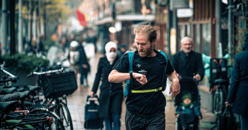 Hoe loop je een marathon terwijl je maar 14 kilometer traint?