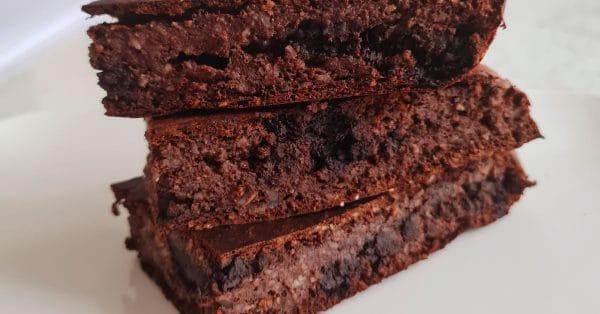 Karen's Kitchen: Chocolade brownies met kersen